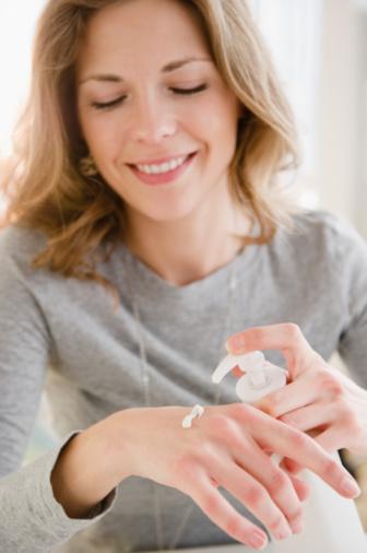 女性银屑病患者如何护理皮肤?